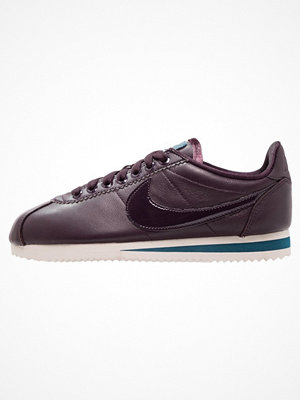 Nike Sportswear CLASSIC CORTEZ SE PRM Sneakers port wine/space blue/light orewood brown