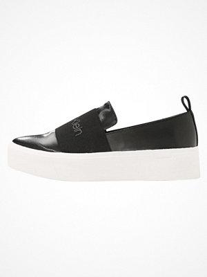 Calvin Klein JACINTA Slipins black