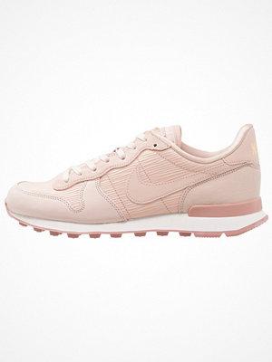 Nike Sportswear INTERNATIONALIST Sneakers particle beige/summit white/particle pink/metallic gold