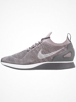 Nike Sportswear AIR ZOOM MARIAH FLYKNIT RACER Sneakers gunsmoke/white/atmosphere grey/dark grey
