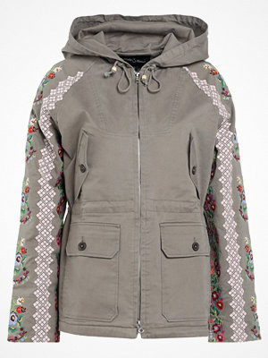 Needle & Thread CROSS STITCH  Parkas khaki