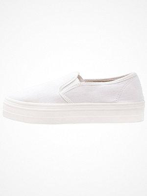 Anna Field Slipins white