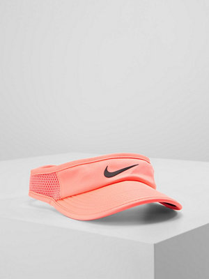 Kepsar - Nike Performance WOMEN AEROBILL FEATHERLIGHT VISOR ADJUSTABLE Keps lava glow/black
