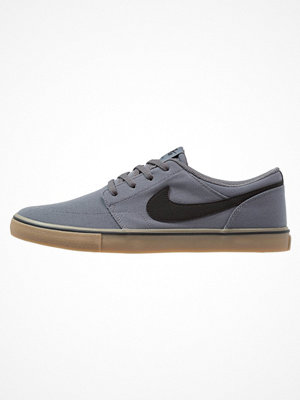 Nike Sb PORTMORE II SS CNVS Sneakers dark grey/black/light brown