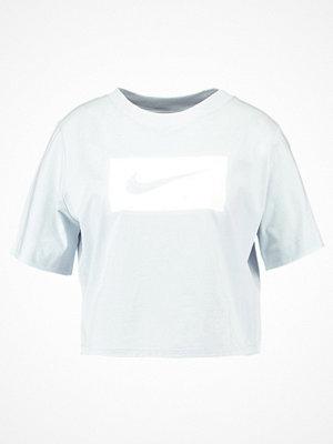 Nike Sportswear CROP Tshirt med tryck pure platinum