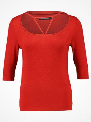 Even&Odd Tshirt med tryck red