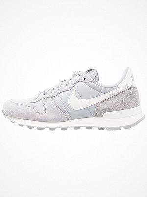 Nike Sportswear INTERNATIONALIST Sneakers wolf grey/summit white/sail