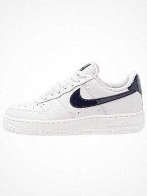 Nike Sportswear AIR FORCE 1'07 Sneakers vast grey/obsidian/summit white