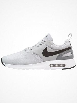Nike Sportswear AIR MAX VISION SE Sneakers wolf grey/white/cool grey/black