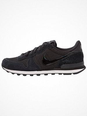 Nike Sportswear INTERNATIONALIST Sneakers black/summit white/anthracite/sail