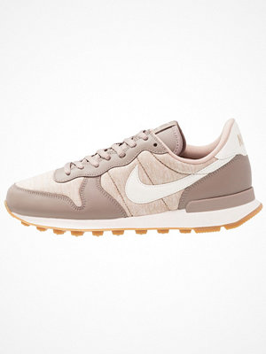 Nike Sportswear INTERNATIONALIST Sneakers sepia stone/sail/sand/light brown