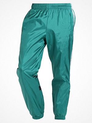 Adidas Originals Träningsbyxor green
