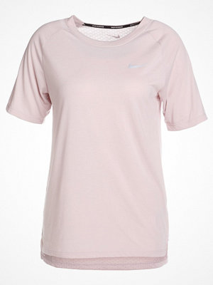 Nike Performance BREATHE TAILWIND Tshirt bas particle rose/reflective silver