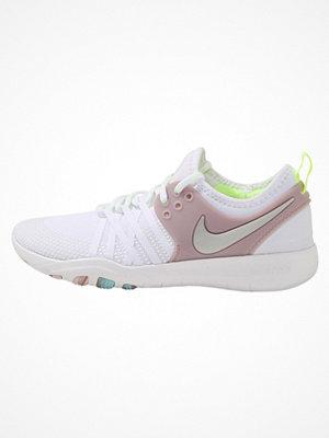 Nike Performance FREE TR 7 Löparskor white/metallic silver/elemental rose/volt glow
