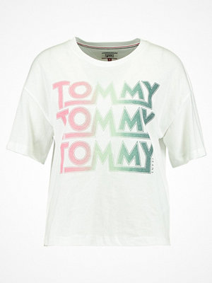 Tommy Jeans Tshirt med tryck bright white