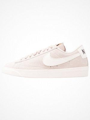 Nike Sportswear BLAZER LOW SD Sneakers desert sand/sail