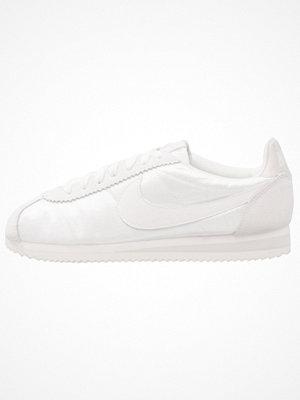 Nike Sportswear CLASSIC CORTEZ NYLON Sneakers ivory/light bone/summit white