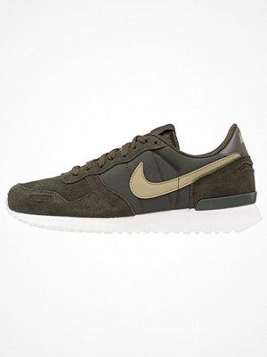 Nike Sportswear AIR VORTEX Sneakers sequoia/neutral olive/summit white