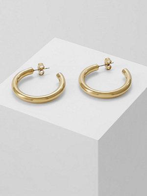 Dyrberg/Kern örhängen CIRKULA Örhänge shiny goldcoloured
