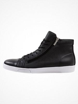 Sneakers & streetskor - Calvin Klein BERKE Höga sneakers black