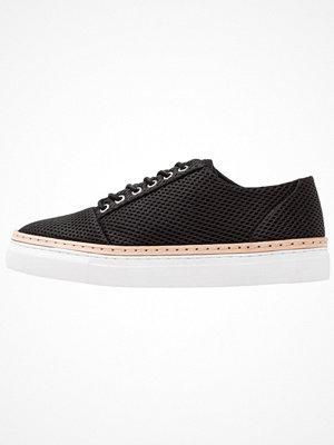 Whyred BEETON Sneakers black
