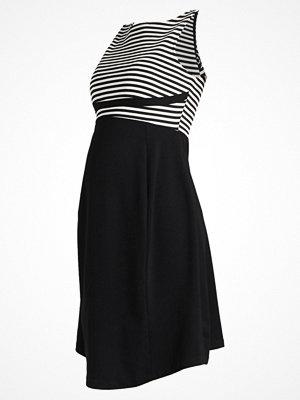 Anna Field MAMA Jerseyklänning offwhite/black