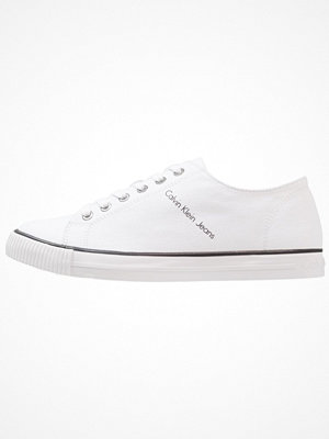 Sneakers & streetskor - Calvin Klein Jeans ANNIBALE MARTIN Sneakers white