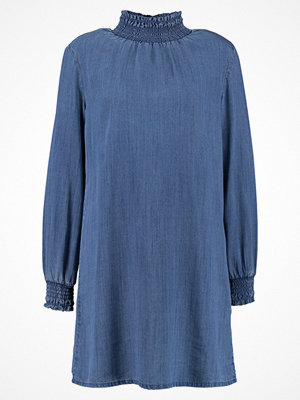 Only ONLCLIO SMOCK DRESS  Jeansklänning medium blue denim