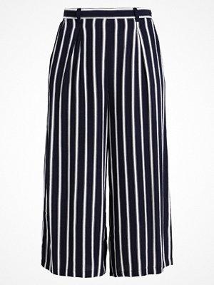 Anna Field Shorts dark blue/off white