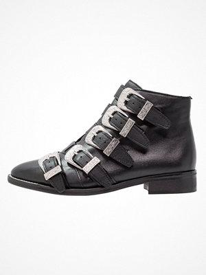 Boots & kängor - Topshop ANDI MULTI BUCKLE Ankelboots black