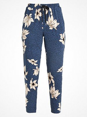 Only ONLMADISON TROUSERS  Tygbyxor true navy med tryck