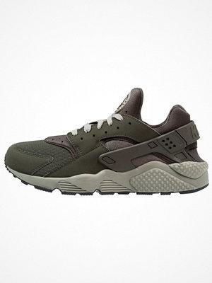 Nike Sportswear AIR HUARACHE Sneakers sequoia/dark stucco/black