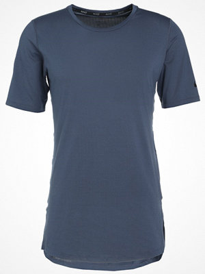Nike Performance UTILITY Tshirt bas thunder blue/black