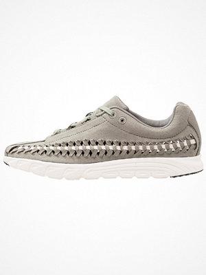 Nike Sportswear MAYFLY WOVEN Sneakers dark stucco/light bone/sail/black