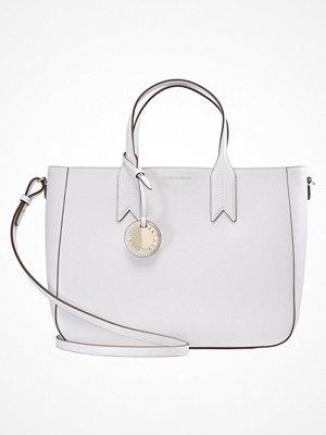 Handväskor - Emporio Armani TOTE BAG BIG ZIPPER Handväska bianco