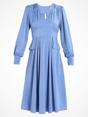 YAS BRIDESMAID YASVALLEY DRESS Sommarklänning della robbia blue