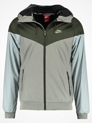 Nike Sportswear WINDRUNNER Tunn jacka dark stucco/sequoia/light bone
