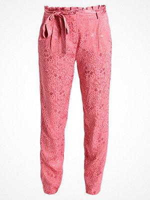 NAF NAF EMARA Tygbyxor rosier rosa