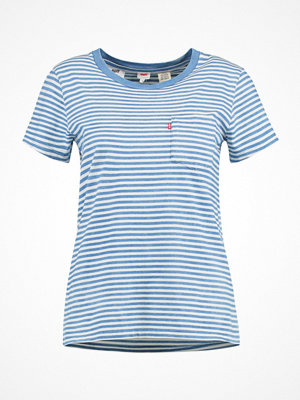 Levi's® THE PERFECT POCKET TEE Tshirt med tryck faded indigo/cloud dancer