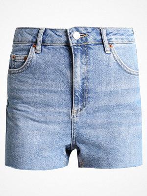 Topshop PREMIUM PLAIN MOM SHORTS Jeansshorts blue denim