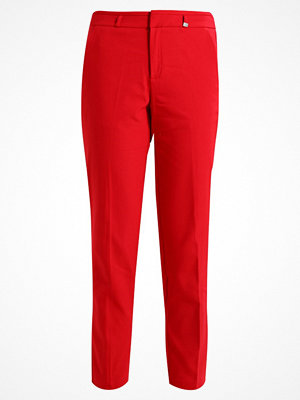 s.Oliver RED LABEL röda byxor SHAPE  Chinos tango red