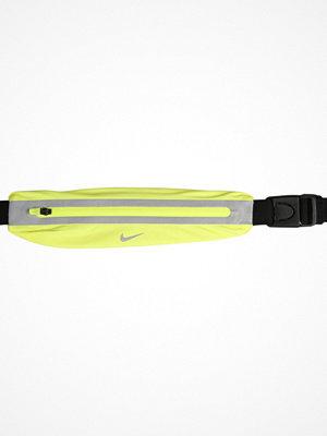 Nike Performance SLIM WAISTPACK Axelremsväska volt/black/silver