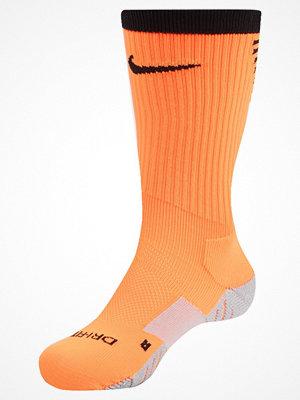 Nike Performance SQUAD CREW Träningssockor total orange