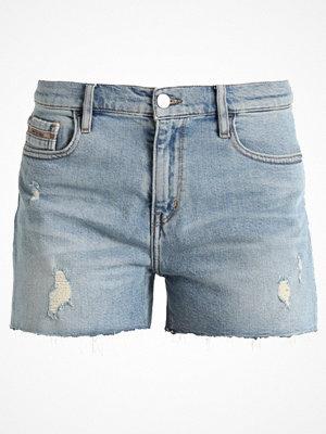 Shorts & kortbyxor - Calvin Klein Jeans MID RISE SHORT Jeansshorts berlin blue