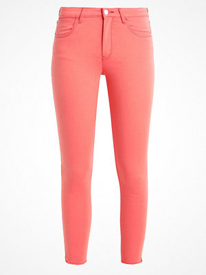 Wrangler CROP Jeans Skinny Fit coral