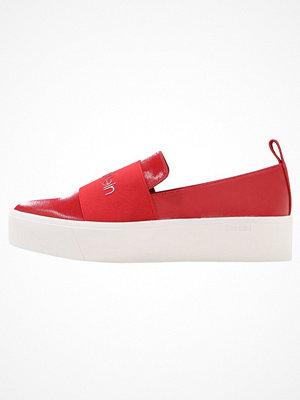 Calvin Klein JACINTA Slipins crimson red