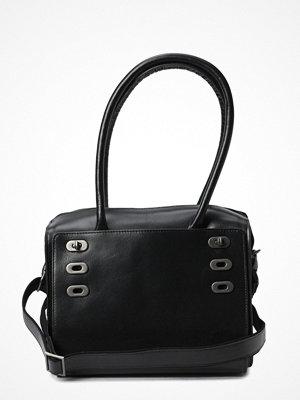 Royal Republiq svart axelväska Victoria Handbag