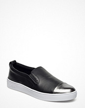 Sneakers & streetskor - Guess Glorienne Laminated Leather