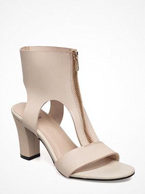 Shoe The Bear Jolie