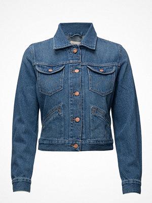 Wrangler Cropped Jacket Retro Vibes